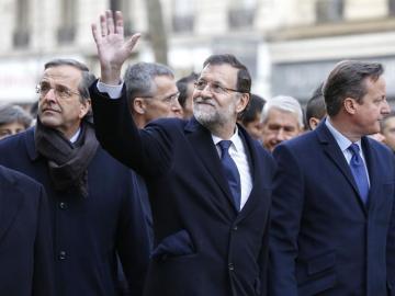 Rajoy y Samaras en la manifestación de París