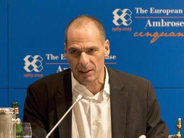 El ministro de Finanzas griego, Yanis Varufakis, en el foro Ambrosetti, Italia