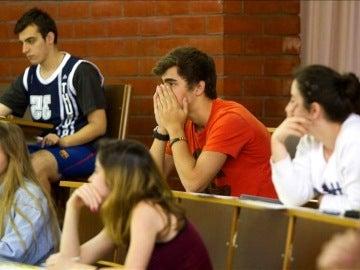 Alumnos en un aula