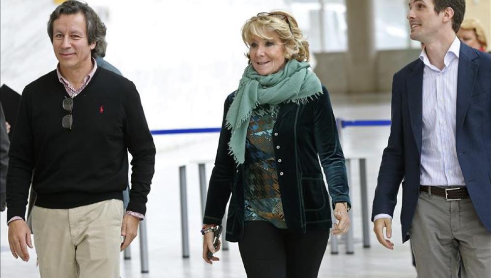 Esperanza Aguirre a la llegada a las jornadas en las que el partido presenta su programa marco autonómico.
