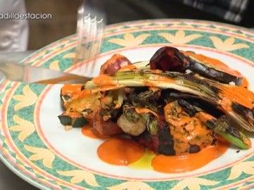 La parrillada de verduras con mojo y ñoras de 'La Estación'