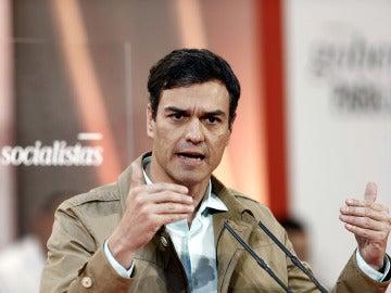 Pedro Sánchez, durante su intervención en Pamplona con motivo de la celebración del Día de la Rosa