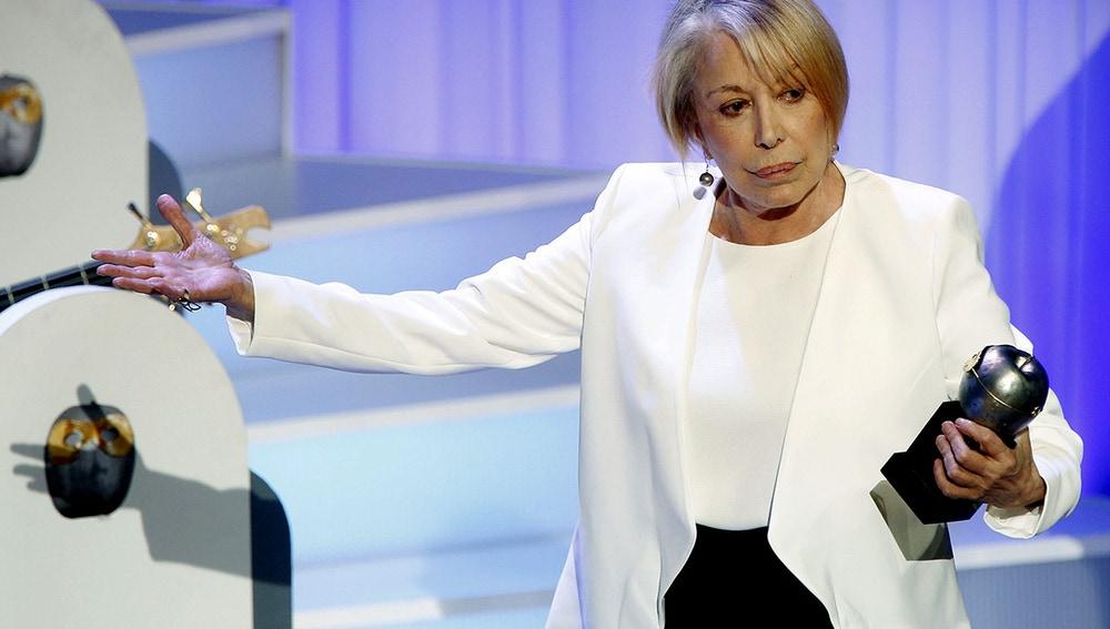 Rosa María Sardá con el 'Max de Honor 2015'