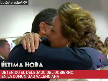 Castellano se abraza a Rita Barberá