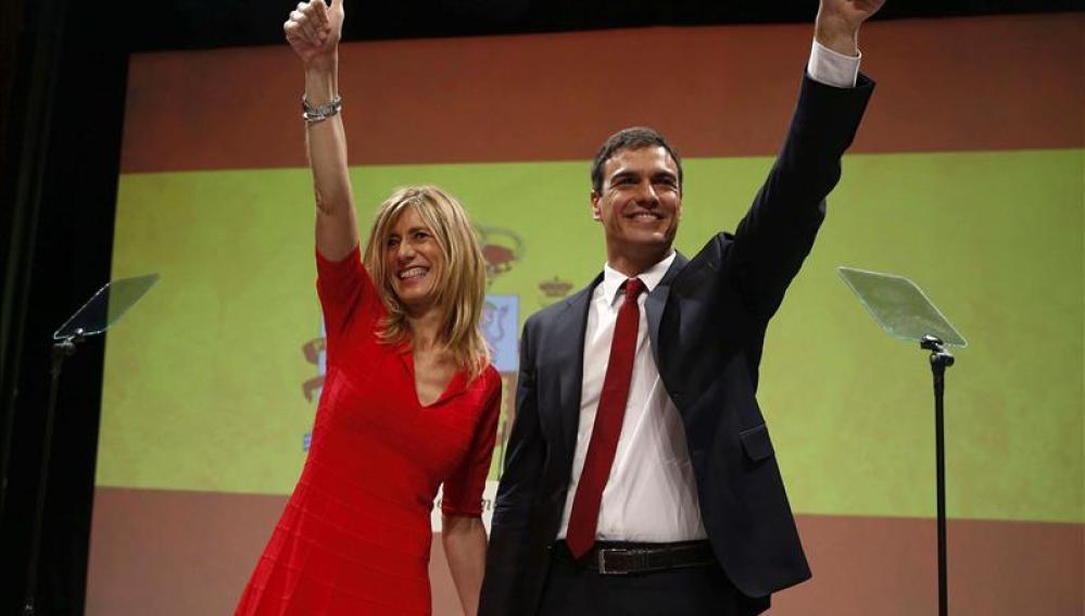 Pedro Sánchez junto a su mujer, Begoña Gómez