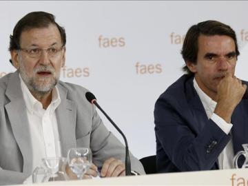 Mariano Rajoy, junto al presidente de honor del PP y presidente de FAES, José María Aznar.