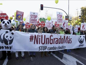 Participantes en la Marcha Mundial por el Clima