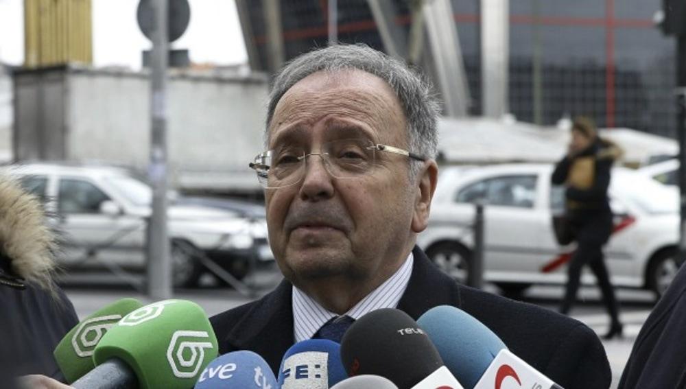 Miguel Bernad, secretario general de Manos Limpias