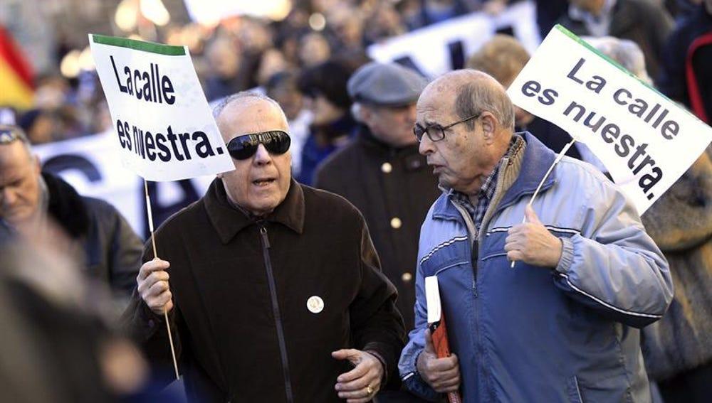 Una manifestación convocada contra la 'Ley Mordaza' en Madrid entre la Puerta del Sol y el Congreso de los Diputados
