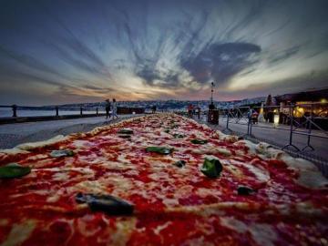 La pizza más larga del mundo (19-05-2016)