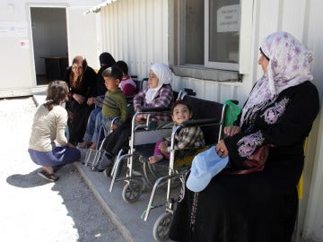 FPCS ayuda a personas con discapacidad entre los refugiados sirios y jordanos