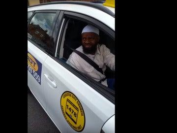 Taxista Leicester niega acceso a un invidente