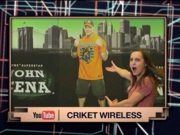 John Cena sorprende a sus fans