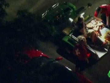 Frame 20.226792 de: Al menos 30 heridos tras hundirse una grada en un concierto del rapero Snoop Dogg en Nueva Jersey