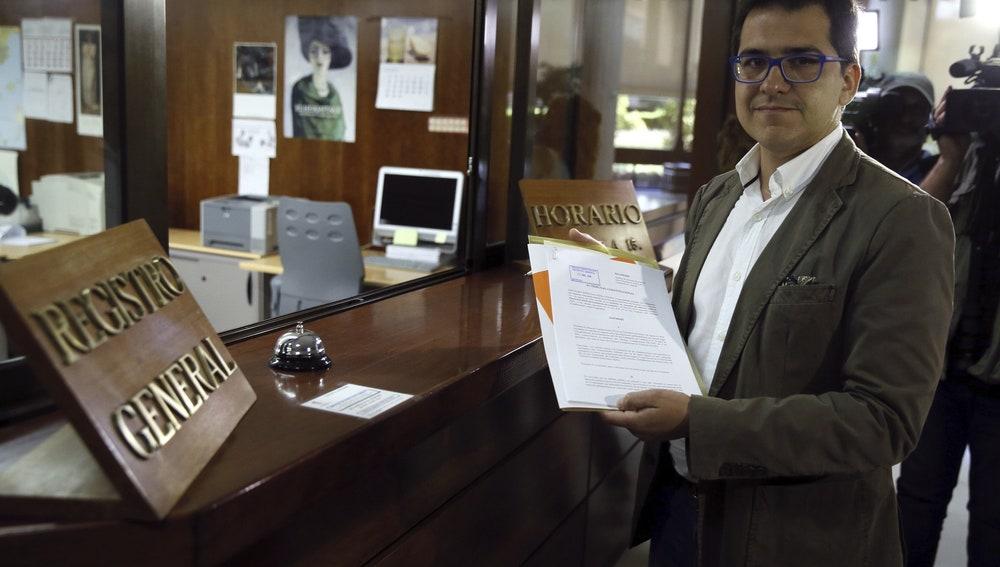 José María Espejo-Saavedra, presenta el informe requerido por el Tribunal Constitucional.