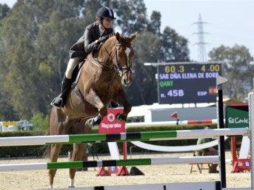 La infanta montando a caballo en el Real Club Pineda