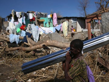 Haitianos damnificados por el paso del huracán Matthew