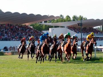 Una carrera en el Hipódromo de la Zarzuela