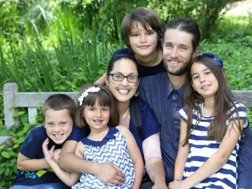 Stephanie Packer y su familia