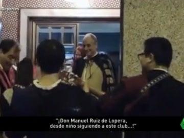 Ruiz de Lopera recibe a una tuna