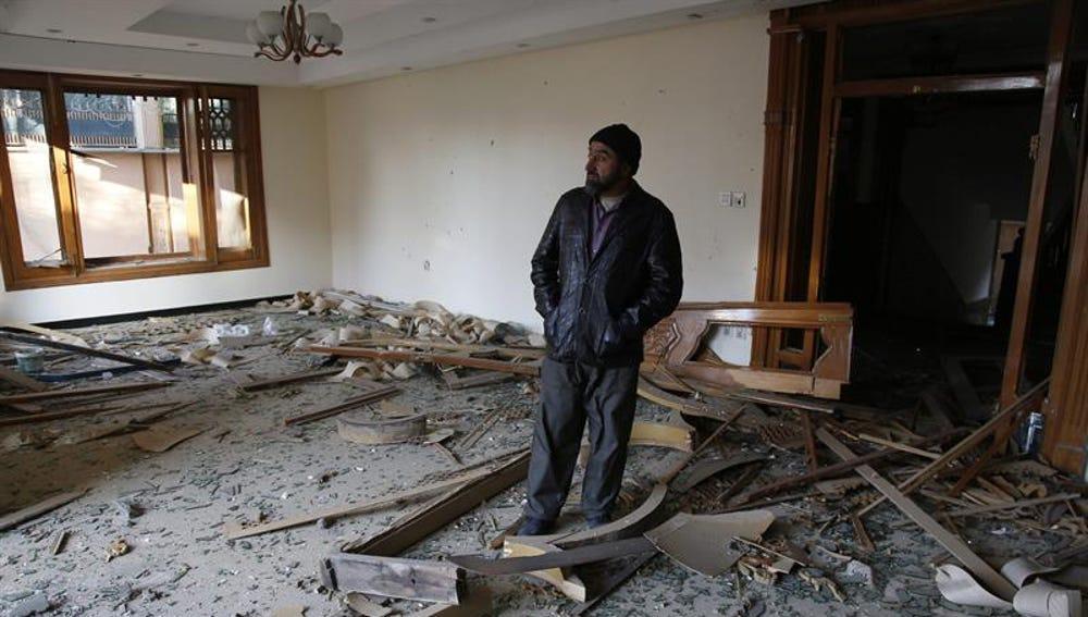 Supervisan los destrozos en la embajada de España en Afganistán