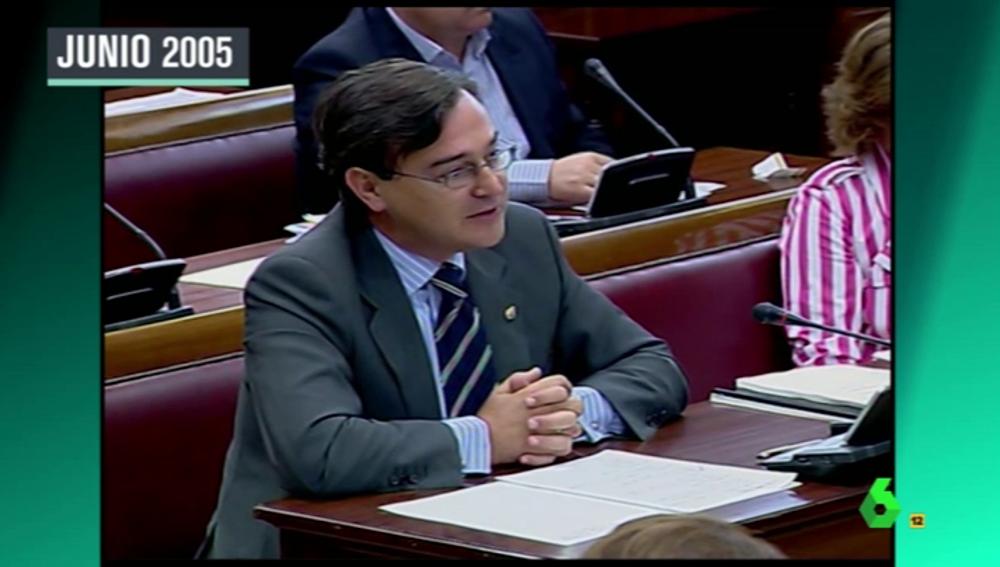 Frame 13.537381 de: Así son las perlas homófobas de Agustín Conde, nuevo secretario de Estado de Defensa nombrado por Cospedal