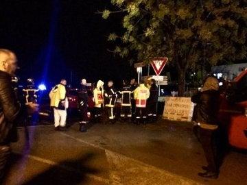 Residencia de Montpellier donde se ha producido el asalto, rodeada por la policía
