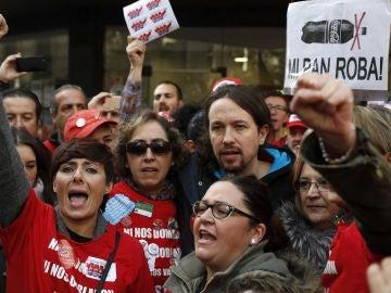 Pablo Iglesias, líder de Podemos, en la manifestación de despedidos de Coca-cola