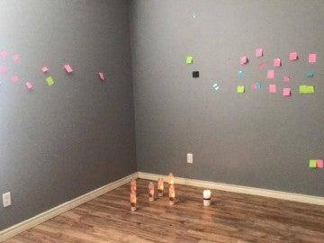La habitación de la adolescente que se ha suicidado en EEUU, llena de mensajes en su memoria