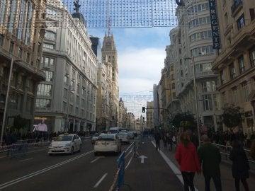 La Gran Vía madrileña con parte de su tráfico restringido