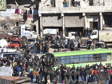 Evacuación en la ciudad de Alepo