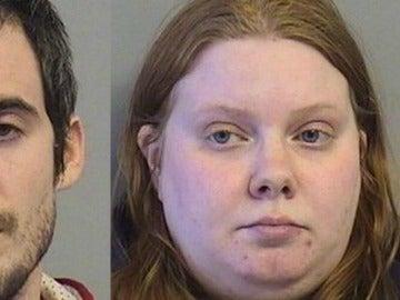 Imagen de Kevin Fowler y Aislyn Miller, arrestados por la policía