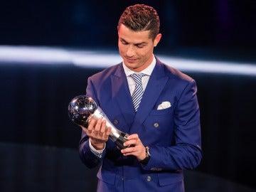 Cristiano Ronaldo recoge el Premio 'The Best'