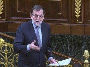 """Frame 0.0 de: Mariano Rajoy: """"La prima de riesgo que estaba por encima de los 700 puntos básicos, hoy está en ciento y pico puntos"""""""