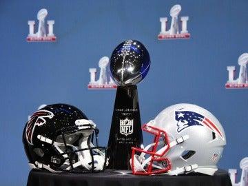 Los Falcons y los Patriots, en busca del trofeo de la Super Bowl