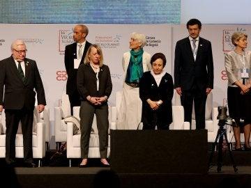 Los premiados con el Nobel de la Paz alzan la voz contra Trump