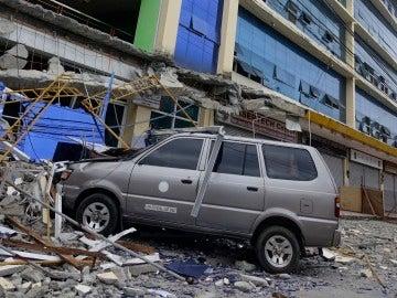 Destrozos provocados por el terremoto de Filipinas