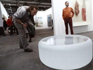 El cilindro de cristal 'Untitled' de Roni Horn