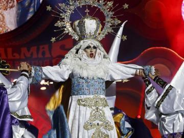 Drag Sethlas, durante su actuación
