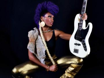 Nik West fue bajista de Prince y ahora triunfa en solitario