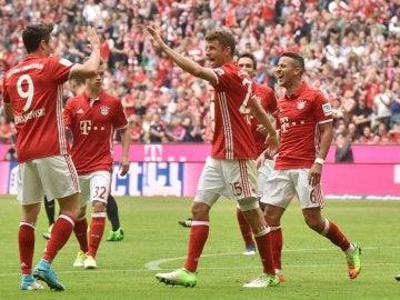 El Bayern de Múnich celebrando uno de los goles
