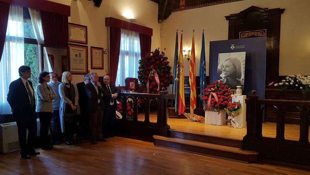 Salón de plenos del Ayuntamiento de Esplugues de Llobregat donde se despide a Carme Chacón