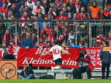 Bojan celebra su histórico gol contra el Bayern