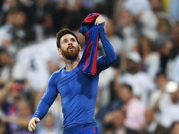 Leo Messi celebra su gol 500 con la camiseta del Barcelona