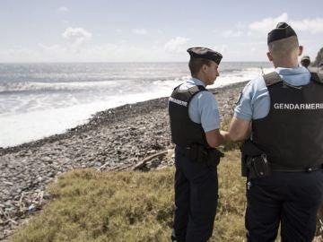Imagen de archivo de varios gendarmes en Isla de Reunión