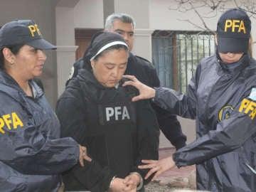 La policía detiene a la monja acusa de abusos sexuales
