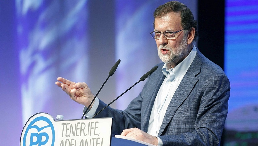 El presidente del Gobierno y del PP, Mariano Rajoy, durante su intervención hoy en la clausura del VIII Congreso Insulardel partido en Tenerife