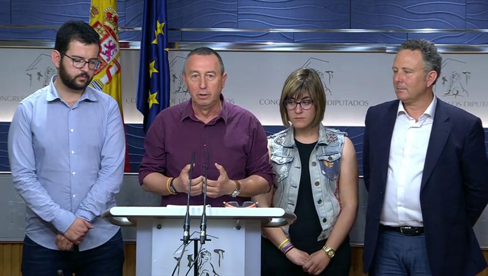 Frame 7.672537 de: Compromìs pide a Podemos que retire su moción hasta que el PSOE tenga dirección