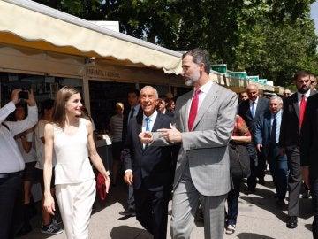 Los Reyes junto al presidente de Portugal
