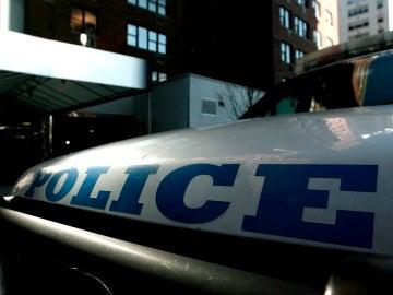 El sospechoso tiene un largo historial y ha sido acusado de  robo armado, asalto agravado y manejo de un vehículo sin licencia, entre otros crímenes